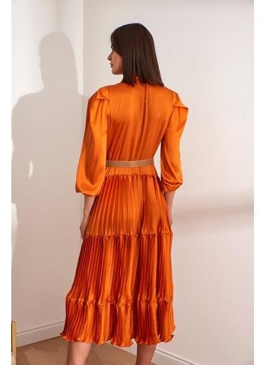 Setre  Kemerli Bağcık Yaka Diz Altı Balon Kol Elbise Oranj
